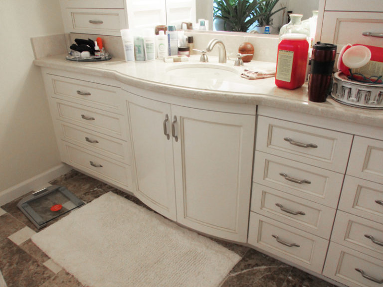 Bathroom - Curved Drawer with cut out for the pipe